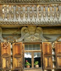 The sacred meaning of house carving of the Russian North